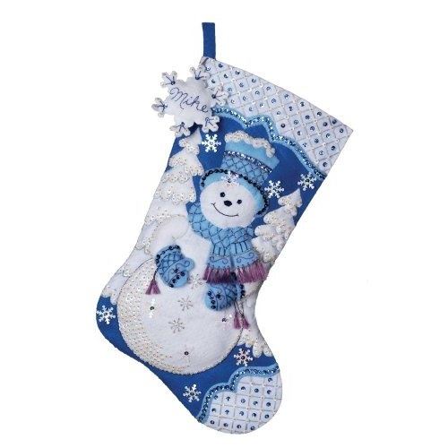 80 best bucilla christmas images on pinterest christmas for Felt stocking decorations