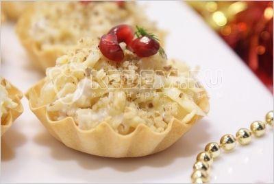 Тарталетки на праздничный стол. Пошаговый кулинарный рецепт с фотографиями приготовления салата в тарталетках с ананасом и сыром на новогодний стол