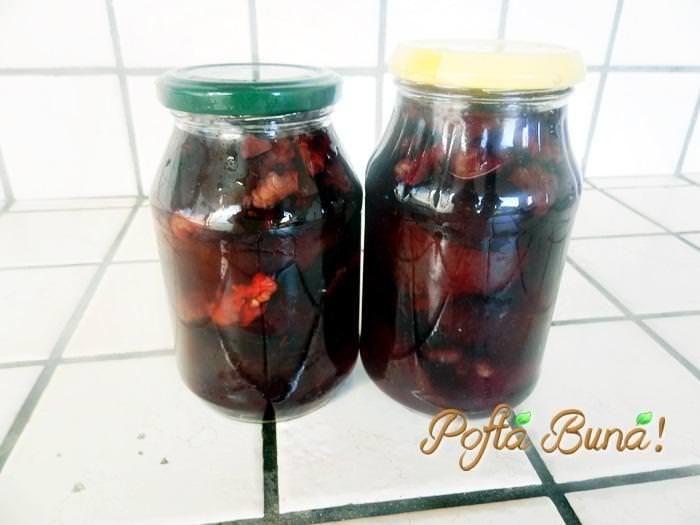 dulceata-de-prune-umplute-cu-nuci-migdale-pofta-buna-gina-bradea (1)