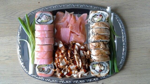 Zalm en Teriyaki-kip sushi's