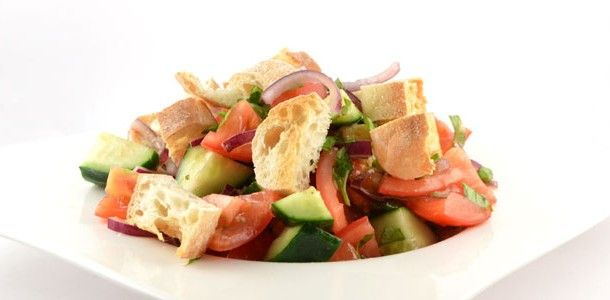 Toscaanse broodsalade (panzanella)
