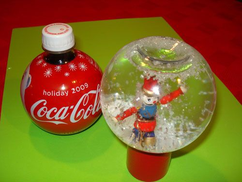 Kids Can Make Fun SnowGlobes with This Fun Family Craft Activity for Christmas | Ziggity Zoom