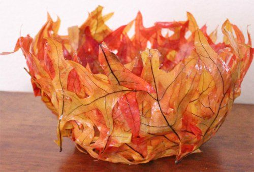 Оригинальная ваза из листьев клена украсит интерьер