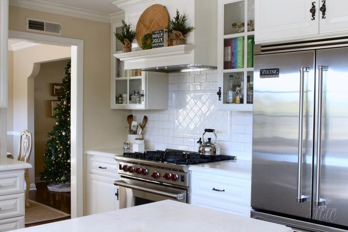A Christmas Kitchen Tour on Maison de Cinq