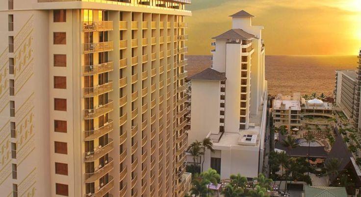 HOTEL|ハワイ・ホノルルのホテル>ワイキキビーチから徒歩わずか>エンバシー スイーツ ワイキキ ビーチ ウォーク(Embassy Suites Waikiki Beach Walk)