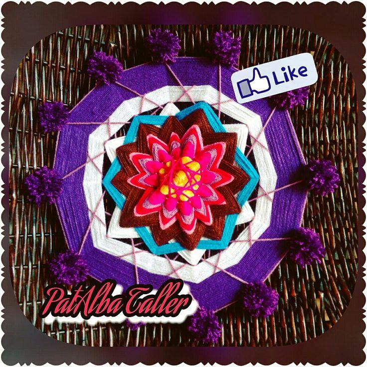 Otro centro de Mandala.....otros colores, más puntas, otra intención❤💫🌟 #patalbataller #emprendedora #artesana #diseñoindependiente #diseñodeautor #decoración #energías #armonía #hechoconcariño