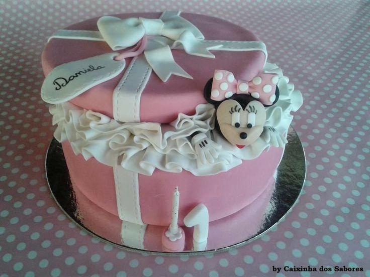 Bolo de aniversário da Daniela - Minnie na Caixa