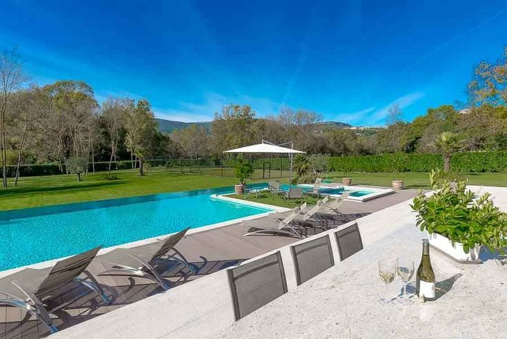 An absolutely breathtaking stone villa in the beautiful South of France, Clos Galissa Villa will enchant you for every second of your holiday. Wooden shutters add to the rustic charm, and the huge azure infinity pool on the sunbathing terrace is the best way to enjoy the gorgeous views the villa has to offer.