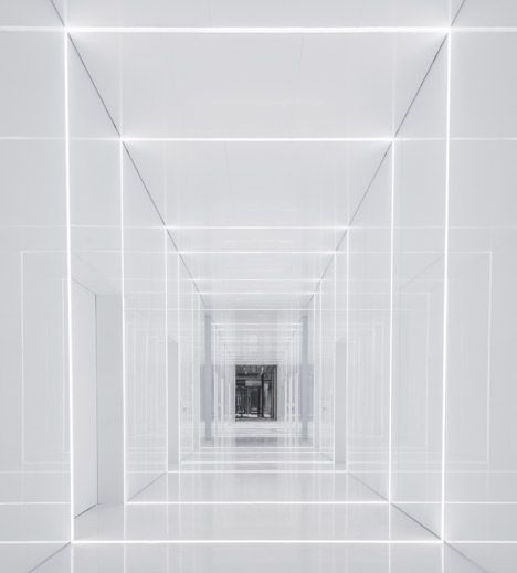 All-white coridor. Soho Fuxing Plaza by Aim Architecture.