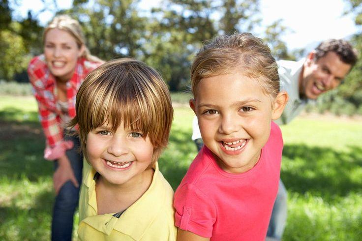 ВОСПИТАТЕЛЬНЫЕ ПРИНЦИПЫ, КОТОРЫЕ ПОМОГУТ ВАМ ВЫРАСТИТЬ ДЕТЕЙ С БОГАТОЙ ФАНТАЗИЕЙ И ГИБКИМ ИНТЕЛЛЕКТОМ   ✳ Предлагайте ребёнку игры и задания, в которых нет одного правильного ответа. Например, приготовить блюдо из банана, риса, яблока и сыра или построить себе домик из любых (или почти любых) предметов в комнате. Уверена, результат Вас удивит!   ✳ Нестандартность и нестереотипность мышления во многом определяется предыдущим опытом ребёнка. Поэтому путешествия, посещение музеев, яркая и…