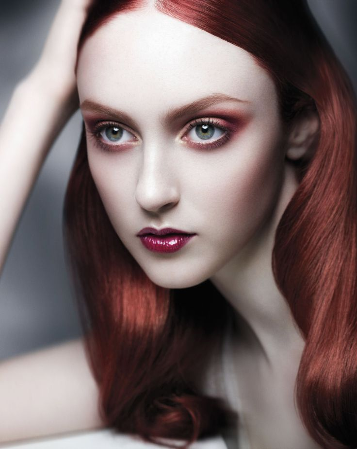 MAKE-UP HOW-TO: Cerulean Smoke and Red Dahlia
