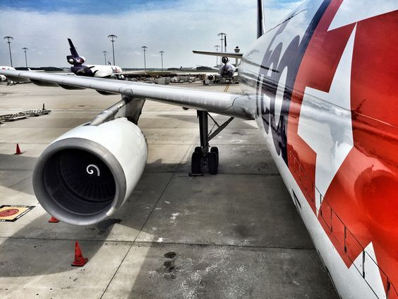 FedEx Express cargo plane / freighter