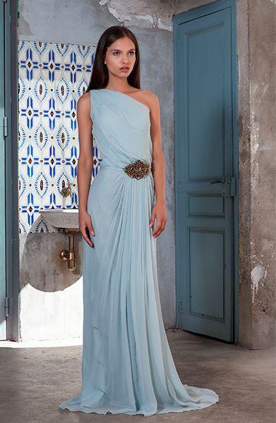 Preciosa colección de Sayán de vestidos de fiesta para invitadas.  www.sayan.es