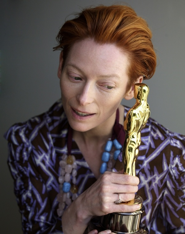 "Tilda Swinton and Oscar for ""Michael Clayton"""