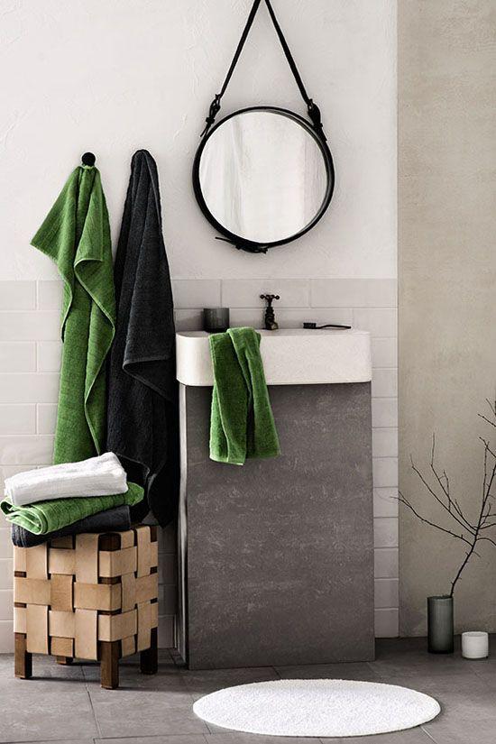 Nya handdukar är ett måste. Fast först nytt badrum. H Home fall 2013 – Husligheter.se