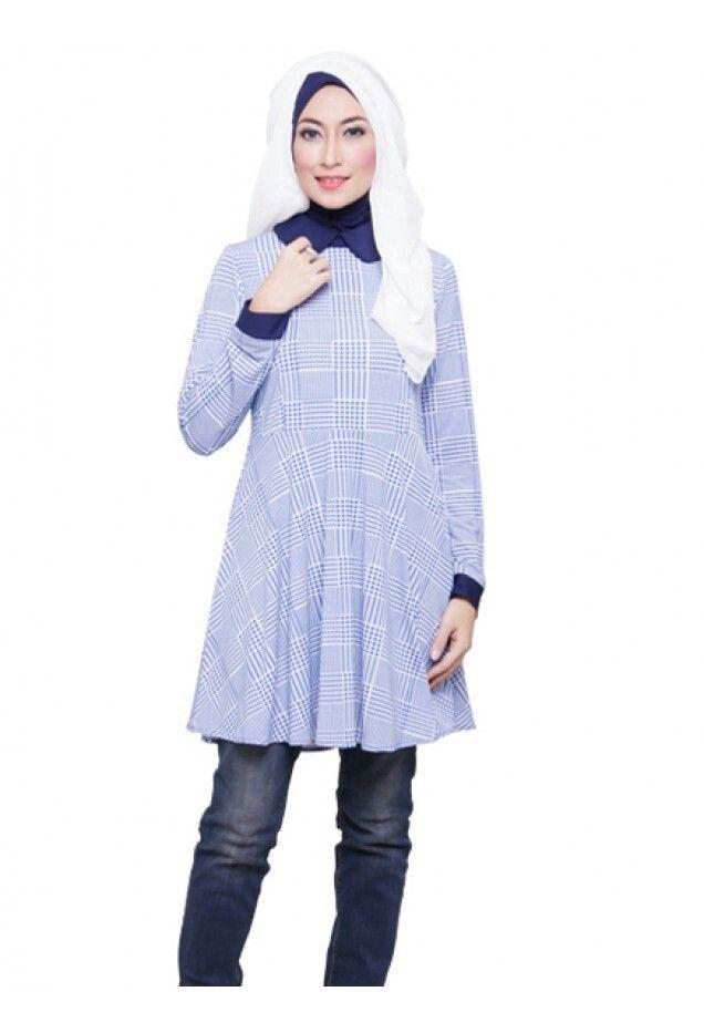 """Mezora gamis instan dengan motif yang cantik dan bahan yang nyaman ketika digunakan.  Mezora berasal dari bahasa Bosnia yang artinya Fajar """"Menyambut Mentari Pagi dengan penuh Semangat"""". Mezora hadir menjawab permasalahan para muslimah yang ingin berbusana muslim dan berhijab syar'i tapi tetap trendy dan fashionable."""