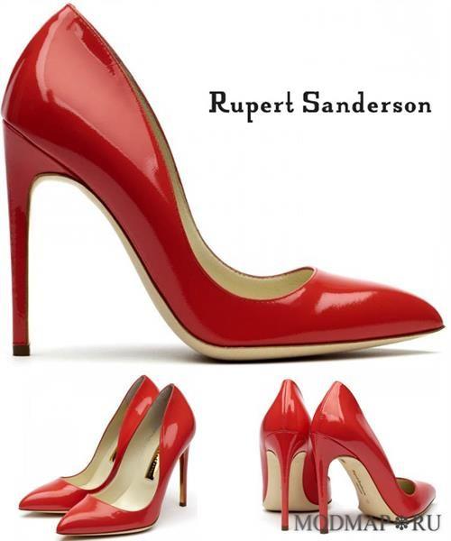 Красные туфли на металлическом каблуке