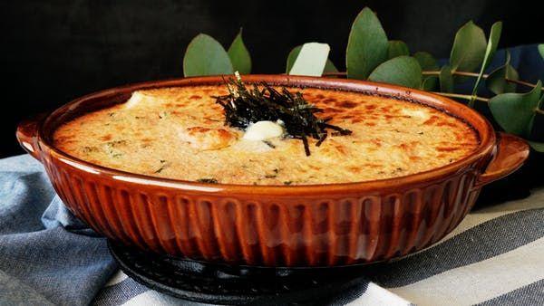 ビデオ指示付きレシピ: 春らしい菜の花の苦みとまろやかな明太子ソースが絶妙にマッチ。豆腐のプルッとした食感とも良く合います! 材料: 明太子 5本, マヨネーズ 50g, 牛乳 大さじ1, 菜花 200g, バター 10g, 塩 適量, 絹ごし豆腐 1丁, 刻み海苔 適量