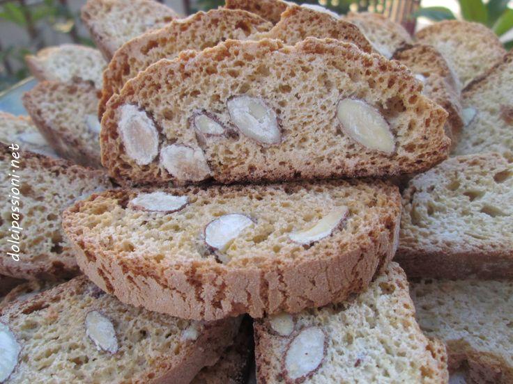I Marzapane pugliesi sono dei golosi biscotti farciti con mandorle, cotti al forno, una ghiotta conclusione al vostro pranzo.Questi classici…