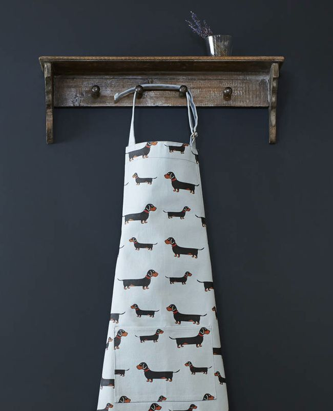 If you know anyone with an affinity for these horizontal hounds, this is your dream gift guide.