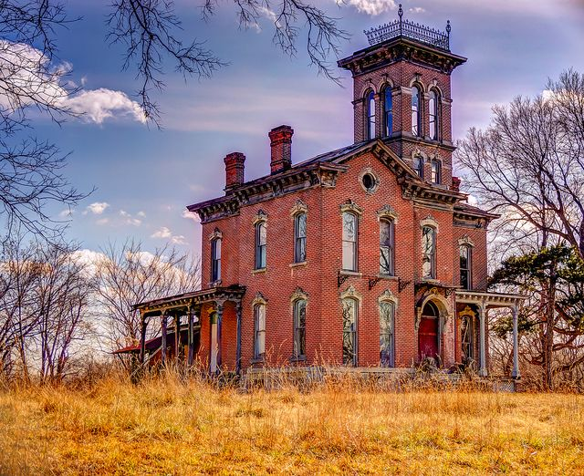 Abandoned Sauer Castle in Kansas City, Kansas. The home was built in 1871.  I would love to restore this one!