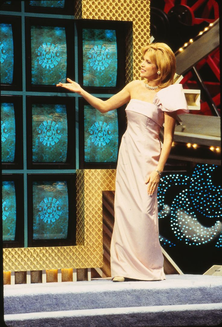 "6 Vanna White Facts to Blow Your Mind as ""Wheel of Fortune"" Celebrates 6,000 Episodes"