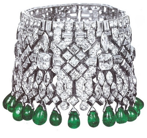 One of a pair of manchette bracelets made for Daisy Fellowes by Van Cleef and Arpels.Vintage Diamond, Cuffs Bracelets, Manchette Bracelets, Van Cleef Arpels, Emeralds, Diamonds Bracelets, Daisies Fellows, Jewelry, Vans Cleef Arpels