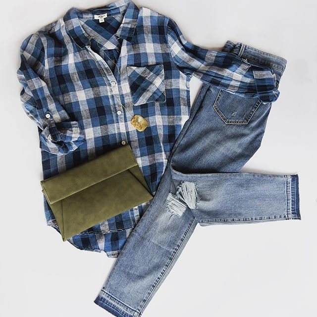 Need some outfit inspiration? Let us help you create an effortless closet. We have these pieces and much more in-store now.    We're open today from 10 - 6!    #shopwillajune #boutique #willajune #victoriamn #flatfashion #ootd #plaid #clutch #shoplocal #outfit