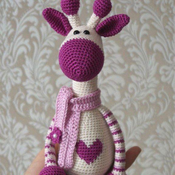 Hearty giraffe free amigurumi pattern