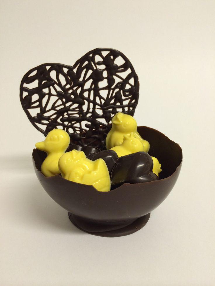 Chocolate and marzipan egg, sjokolade og marsipan