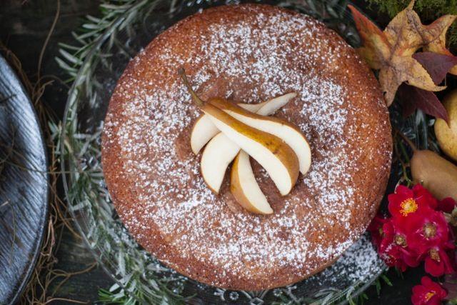 Pear cake by Spongedrop.