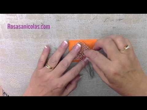 ▶ Cómo realizar una pulsera de encaje de bolillos - YouTube