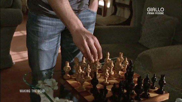 """Citazione scacchistica dalla serie televisiva britannica """"Waking the Dead"""", per la precisione dall'episodio 4x12 Gioco di ombre (Shadowplay). #Scacchi"""