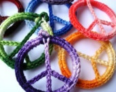 crochet peace sign using plastic rings