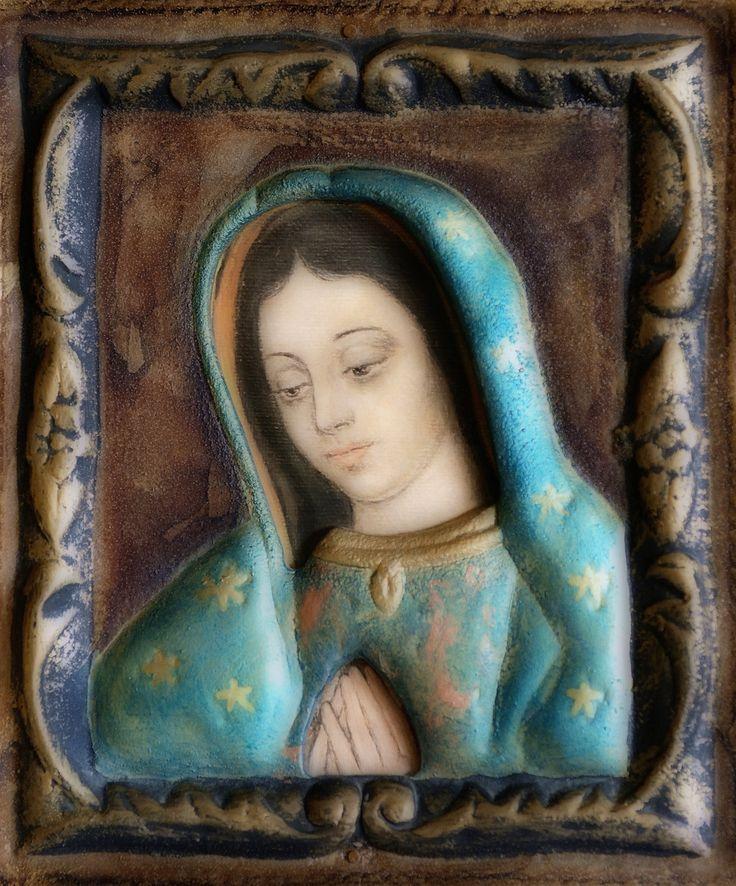"""W Twoich dłoniach me schronienie  W Twym spojrzeniu pocieszenie Matko!  """"Tak jak stała się obecną przy małym Juanito, podobnie jest nadal obecna przy nas wszystkich, zwłaszcza przy tych, którzy – podobnie jak on – czują, """"że nic nie znaczą.""""  (papież Franciszek)"""
