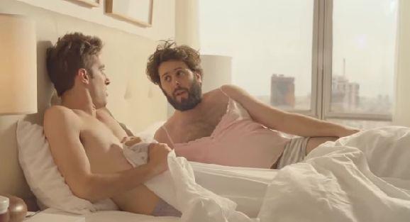 Entérate Cali: Comercial en el que una mujer se convierte en hombre por no depilarse ¡OMG!...