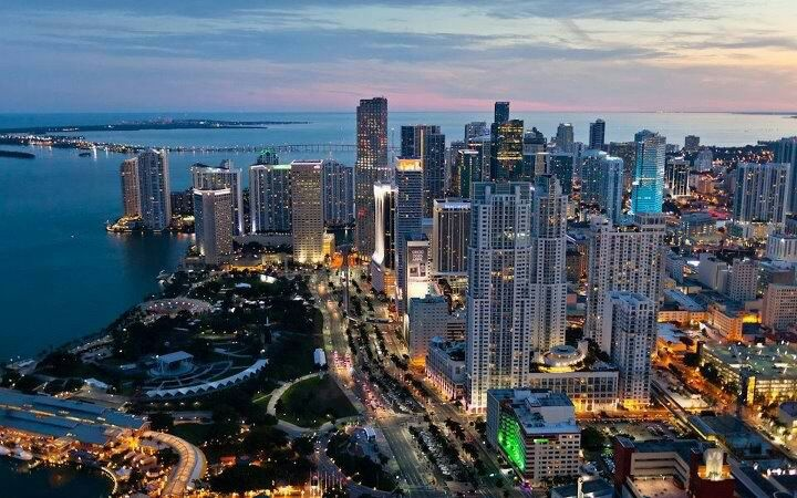 Downtown Miami Night Views Photo Courtesy Facebook Com Cbd