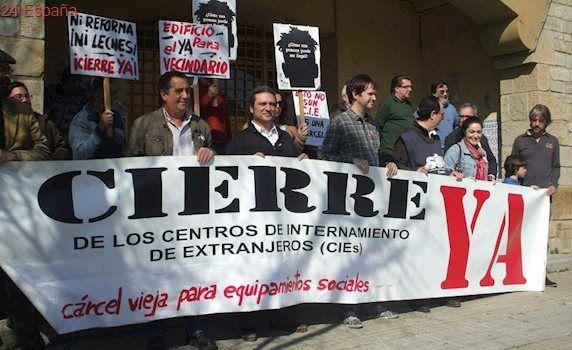 La ONG Women's Link denuncia un trato inhumano a las internas del CIE de Algeciras
