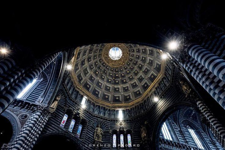 #daylight #naturallight  #instagood #bestoftheday #globe_captures  #follow4follow #igtoscana #igerstoscana #centofoto #instagood #instadaily #instamood #ig_global_life #ig_italy #igersitalia #igfriends_italy #gf_italy #fotografia_italiana #volgo_toscana #bw #architecture #fujifilm #fujixseries  #xpro2 #siena