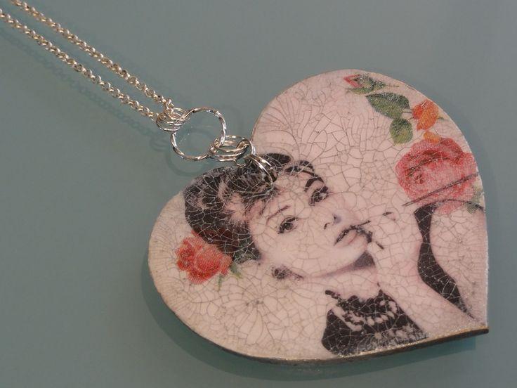 Biżuteria - serce na dłoni