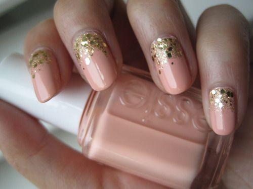 glitter golden glimmer nails <3