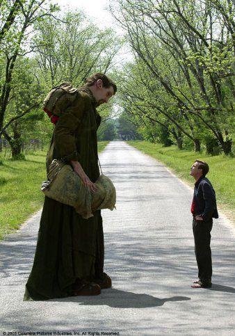 "Ewan McGregor and Matthew McGrory in ""Big Fish"" (2003). DIRECTOR: Tim Burton."