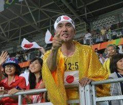 オリンピックと言えばオリンピックおじさんという毎回応援に行かれている日本人の方が有名ですがこの方も毎回レスリングの会場に行かれてますね 今回も行かれていたようです tags[海外]