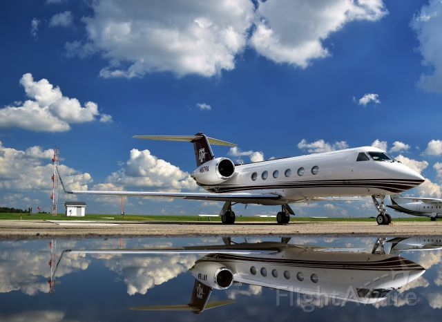Gulfstream IV (N817RA)
