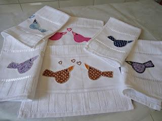 Toalhas de lavado com patch apliquê.