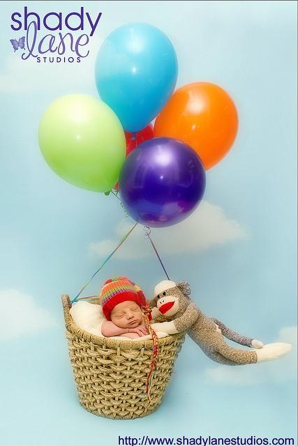 """Newborn Hot air balloon pic since August has no """"theme"""""""