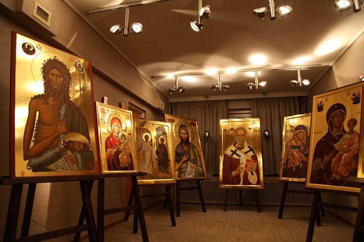 Έκθεση προϊόντων Αγίου Όρους. Ξενοδοχείο Μακεδονία Παλλάς Θεσσαλονίκης.  Σπάνιες βυζαντινές αγιογραφίες φιλοτεχνημένες από αγιογράφους μοναχούς της Ιεράς Μονής Ξενοφώντος