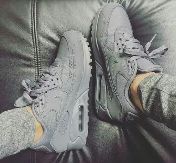 nike #grey #sneakers i 2020 | Adidasskor, Vinterskor och