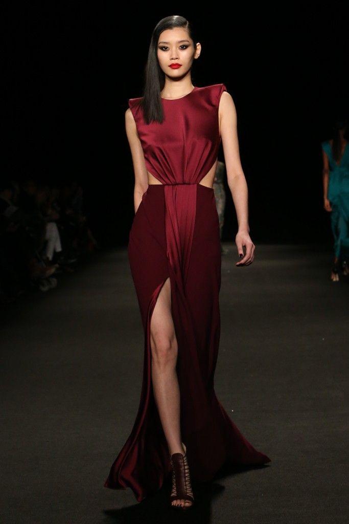 Monique Lhuillier RTW Fall 2015 - Slideshow - Runway, Fashion Week, Fashion Shows, Reviews and Fashion Images - WWD.com