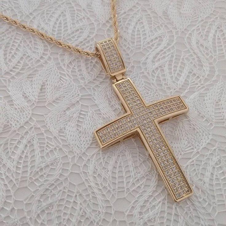 #mulpix Crucifixo 💗  Corrente com 80cm 3 x R$ 49,00/ Pingente 3 x R$ 69,00  Folheado em ouro 18k com zirconias brancas cravejadas. Material anti-alérgico e garantia de 1 ano. 📲 WhatsApp 48 9 9989-4333 💌 Envio para todo o Brasil ♡ #cruz  #crucifixo  #paixão  #amor   #moda  #style  #fé  #semijoiasdeluxo  #semijoias  #semijoiasfinas  #love  #ouro18k  #pingente  #pendant  #fashion  #fashionista  #blog  #fashionblogger  #ootd  #blogger  #design  #colar  #necklace  #gargantilha♡